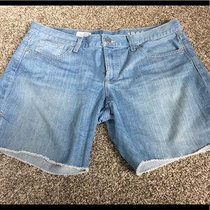 GAP fray boyfriend jean shorts